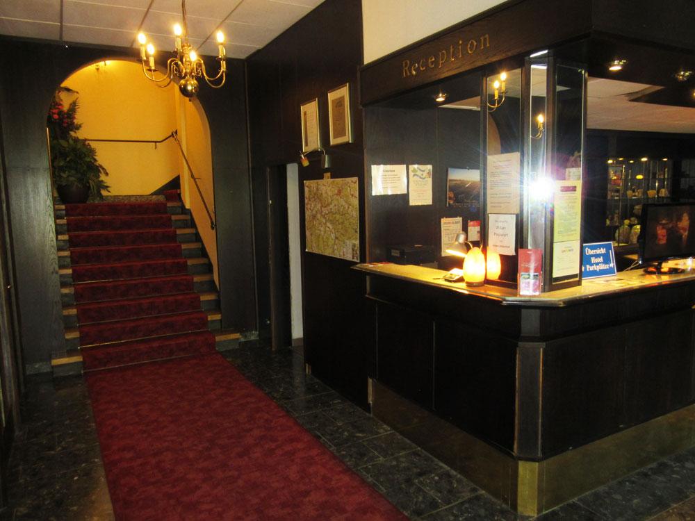 Hotel Lindenhof Königstein Rezeption